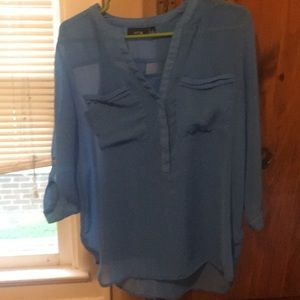 Light, flowy Apt. 9 blouse like new